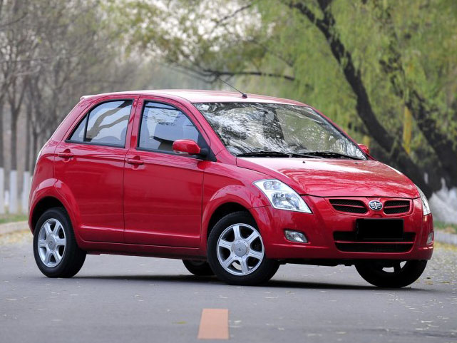 FAW To Assemble 1000cc V2 Hatchback Locally By 2017 1