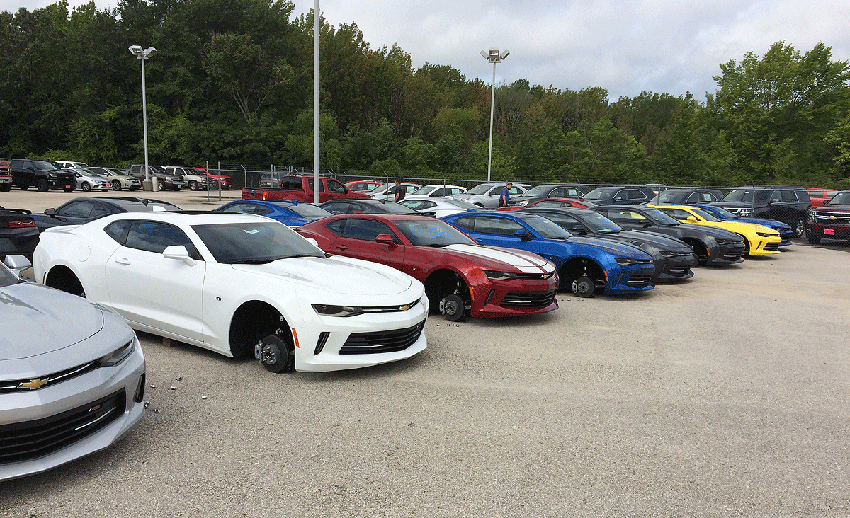 Wheels Of 48 Vehicles Stolen From Chevy Dealerships in Texas 1