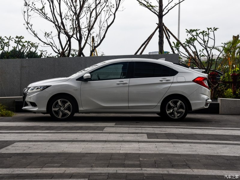 Honda Gienia Launched in China 4