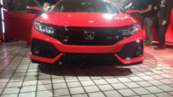 2017 Honda Civic Si Unveiled at LA Auto Show 1