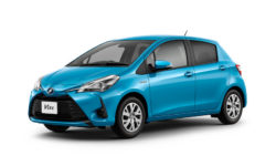 2017 Toyota Vitz Facelift Launched in Japan 6