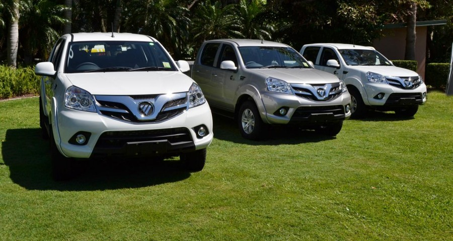China Donates 10 Foton Double-Cabin Pickups for SPU 1