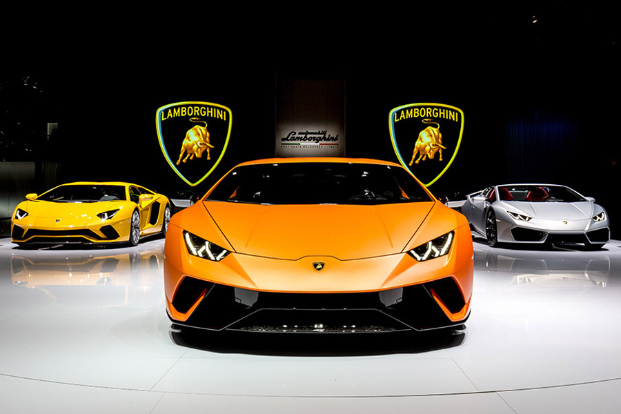 Lamborghini Rolls Out 8000th Huracan in Just 3 Years 10