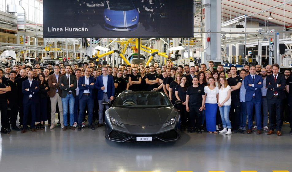Lamborghini Rolls Out 8000th Huracan in Just 3 Years 1