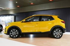 KIA Reveals the All-New Stonic Compact Crossover 3