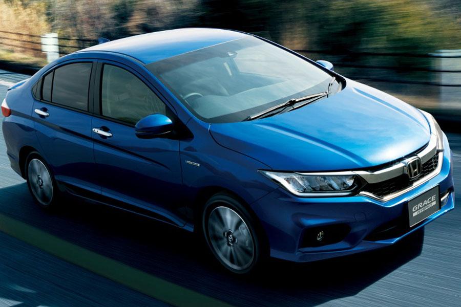 Honda Grace Facelift Launched in Japan with Honda Sensing Suite 22