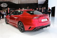 KIA will Launch Stonic and Stinger in Europe 12