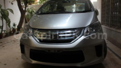 Review: 2012 Honda Freed G (JDM) 21