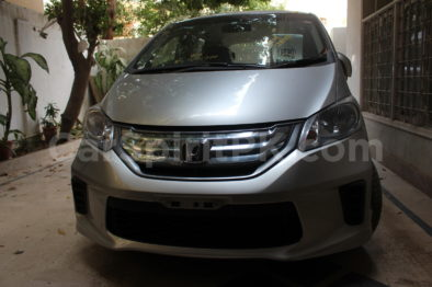 Review: 2012 Honda Freed G (JDM) 13