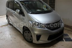Review: 2012 Honda Freed G (JDM) 15