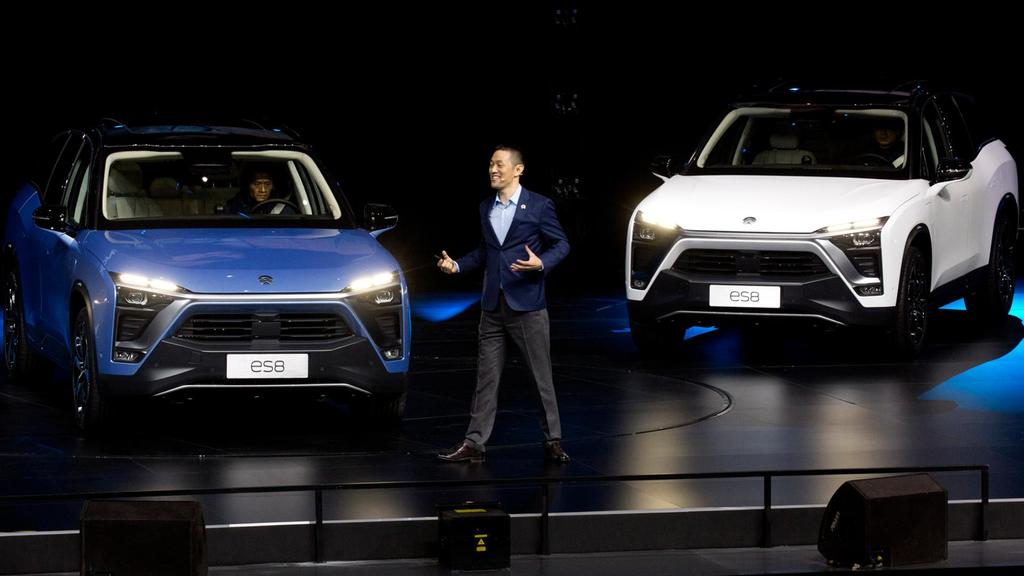 NIO Officially Launches the ES8 7-seat Electric SUV 1