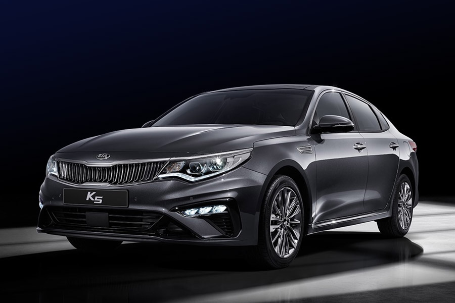 KIA K5 (Optima) Facelift Launched 19