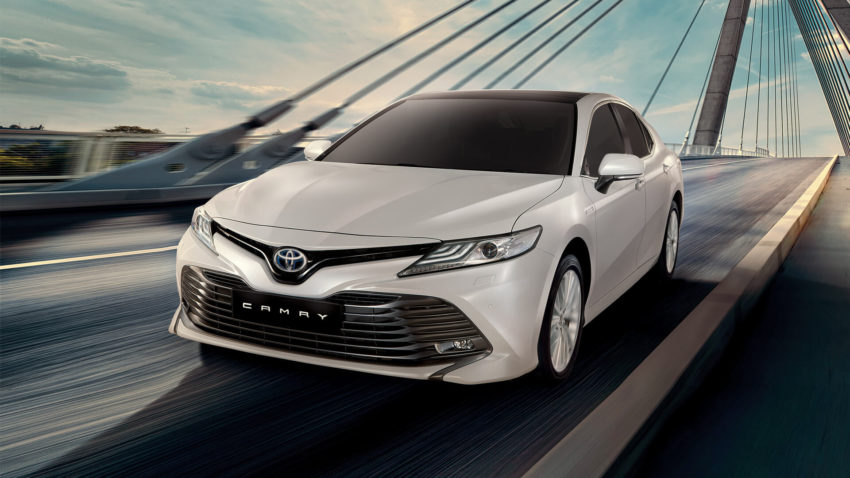 Indus Motors Launch the Toyota Camry Hybrid in Pakistan 4