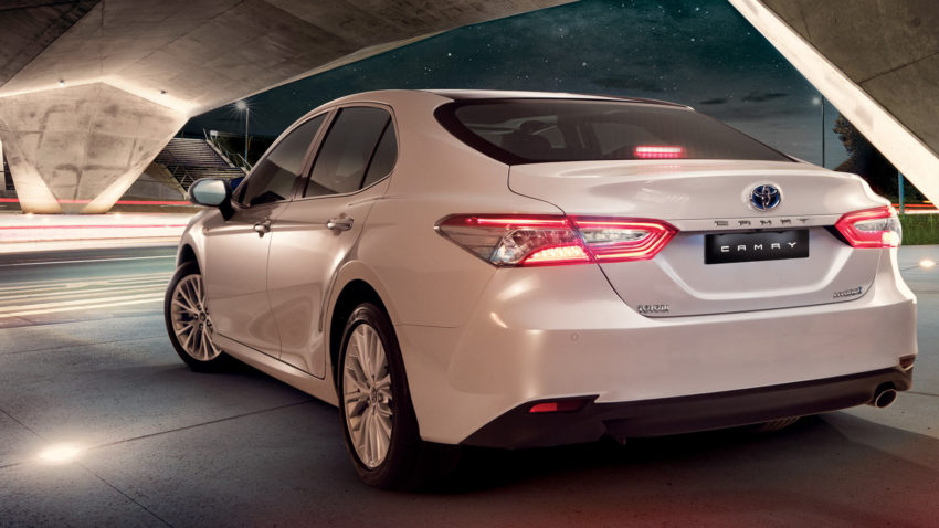 Indus Motors Launch the Toyota Camry Hybrid in Pakistan 5