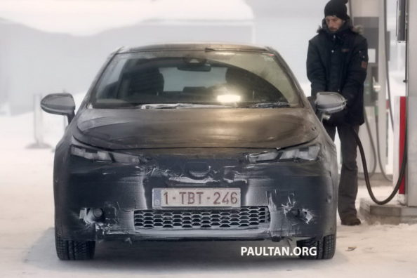 Toyota to Debut 2019 Corolla Hatchback at Geneva Motor Show 1