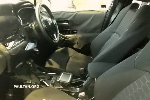 Toyota to Debut 2019 Corolla Hatchback at Geneva Motor Show 7