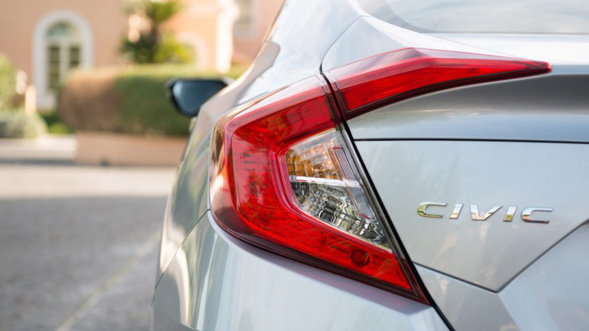 The New Honda Civic Diesel Delivers Best in Class Mileage 9