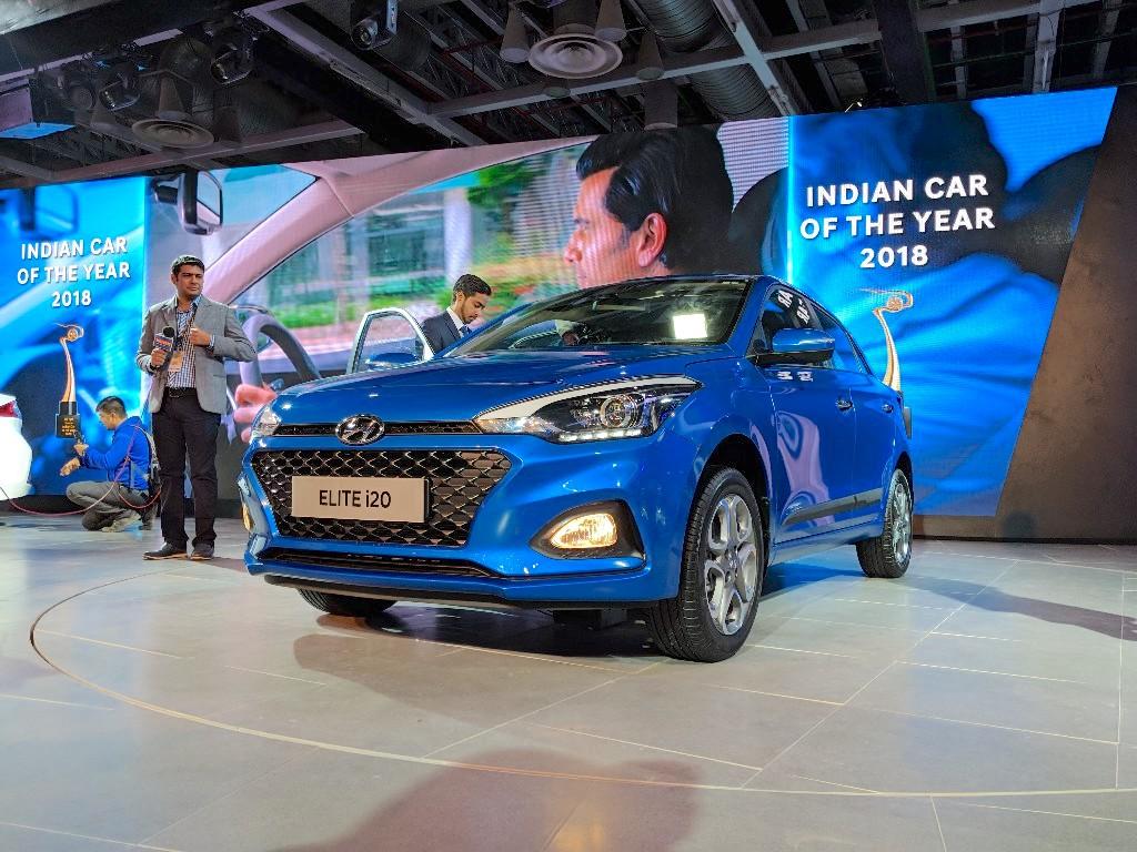 2018-Hyundai-i20-facelift-front-three-quarters-at-Auto-Expo-2018