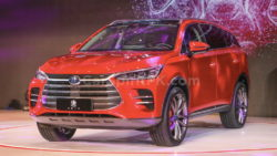 BYD Tang- The 7-seat SUV that will do 0-100 in 4.5 Seconds! 14