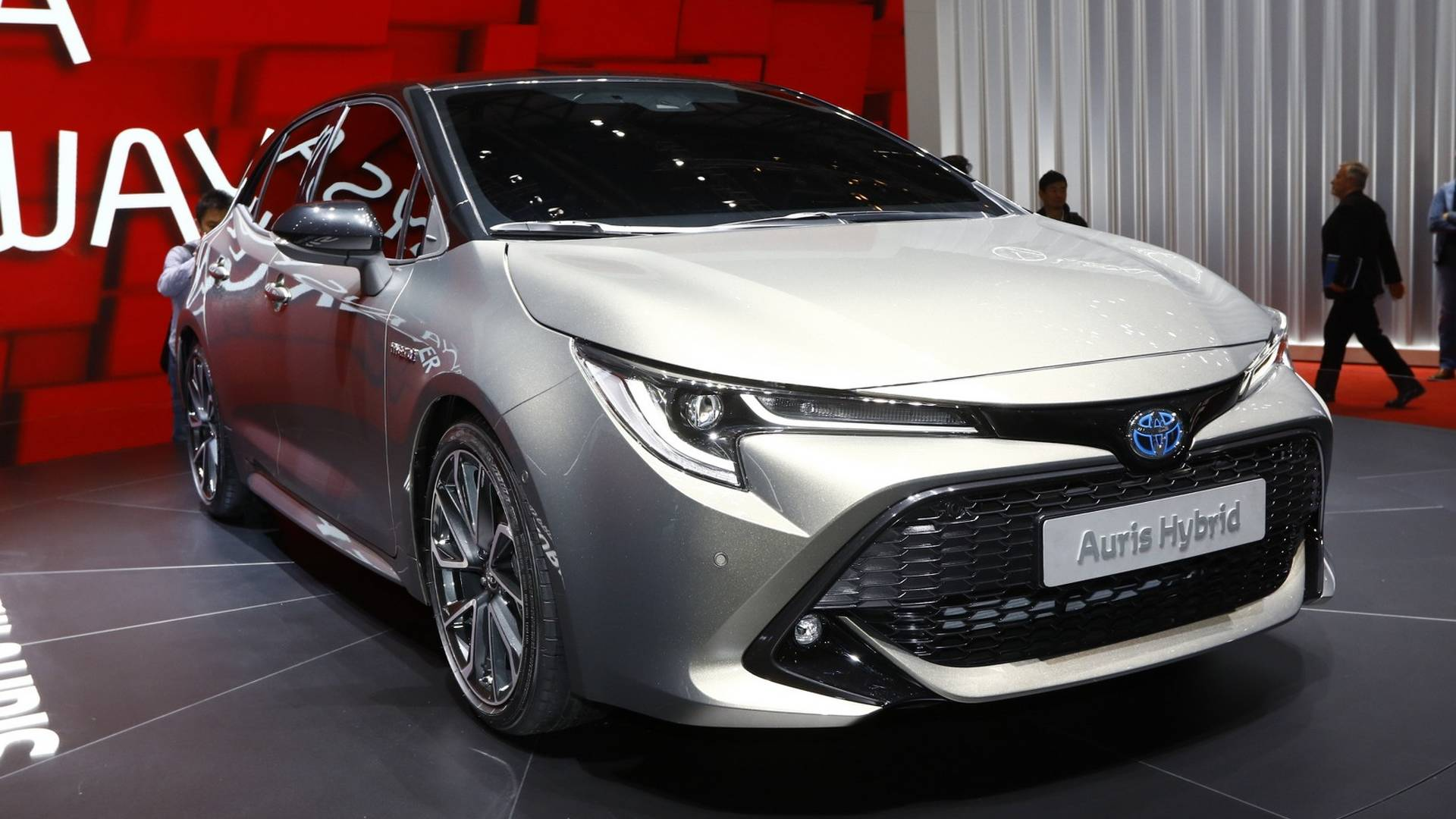 Next Generation Toyota Auris Debuts in Geneva 1