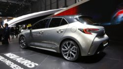 Next Generation Toyota Auris Debuts in Geneva 12