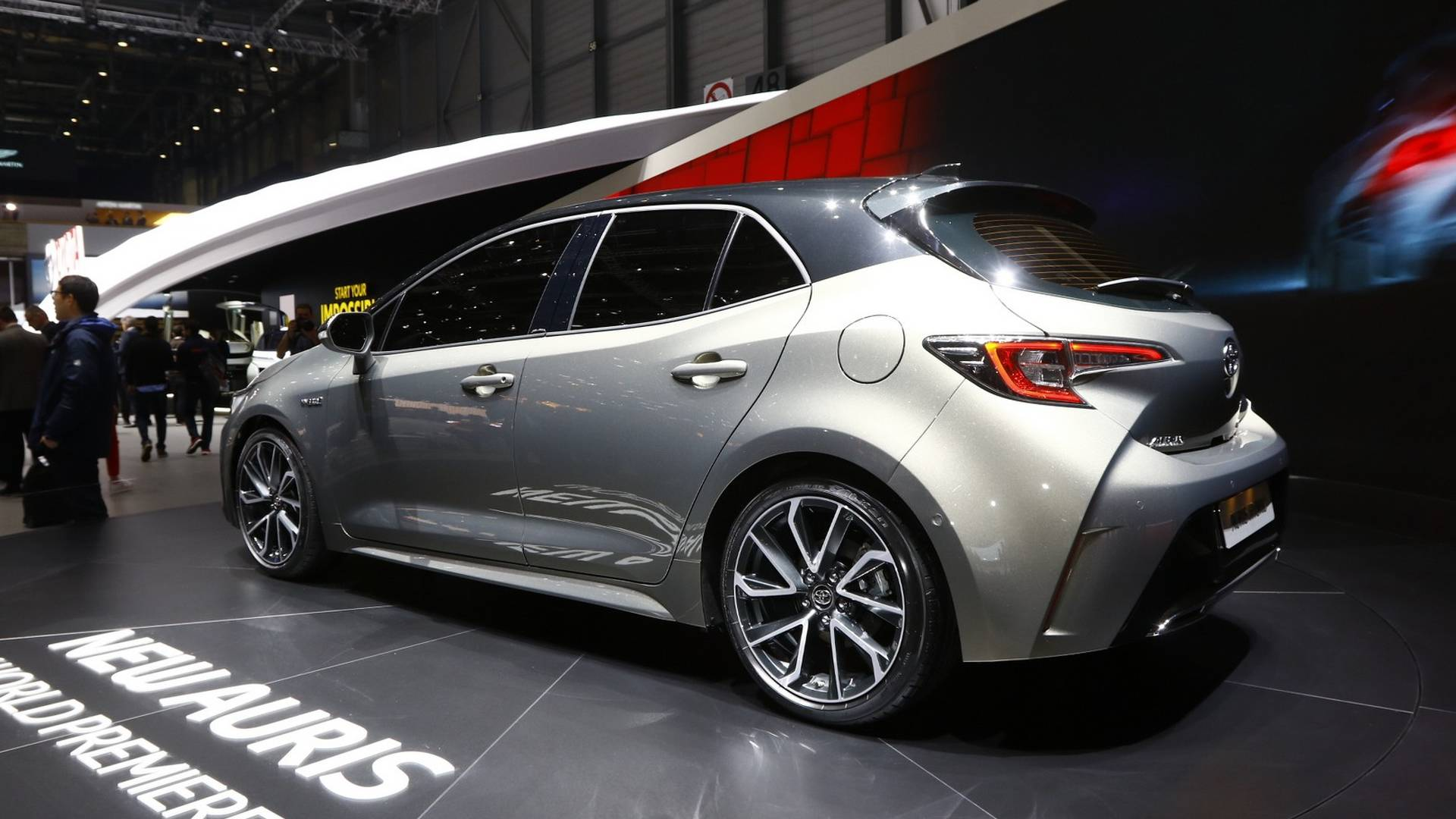 Next Generation Toyota Auris Debuts in Geneva 7