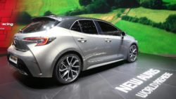 Next Generation Toyota Auris Debuts in Geneva 13