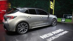 Next Generation Toyota Auris Debuts in Geneva 15