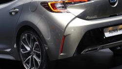 Next Generation Toyota Auris Debuts in Geneva 22