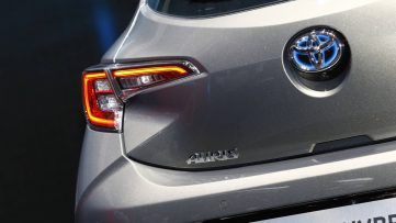 Next Generation Toyota Auris Debuts in Geneva 19