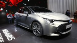 Next Generation Toyota Auris Debuts in Geneva 26