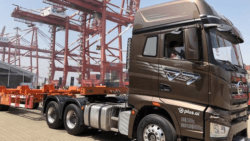 FAW Jiefang Unveiled Self-Driving Trucks in China 5