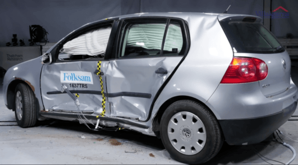 What Happens when Rusty Cars are Crash Tested? 1