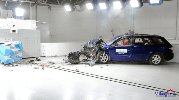 What Happens when Rusty Cars are Crash Tested? 2