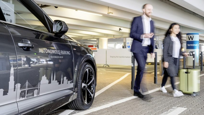 Volkswagen Tests Autonomous Parking Function at Hamburg Airport 3