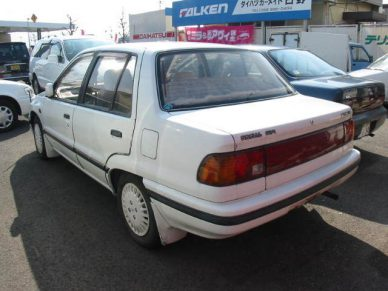1000cc Sedans in Pakistan 10