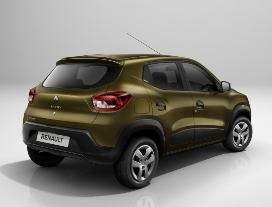 Renault Offering 4 Years/ 100,000 Km Warranty with Kwid in India 8