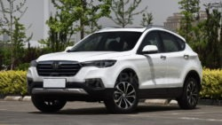 FAW Launches the 2018 Besturn X80 SUV in China 12