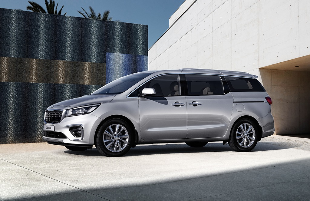 Kia Grand Carnival Launched in Pakistan 27