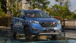 FAW Senia R9 SUV Launched in China 17
