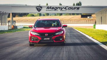 Honda Civic Type R is the Fastest Front-Wheel-Drive Car at Magny-Cours 2