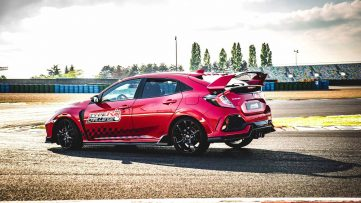 Honda Civic Type R is the Fastest Front-Wheel-Drive Car at Magny-Cours 3