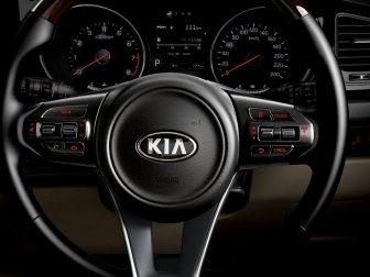 Kia Grand Carnival Launched in Pakistan 8