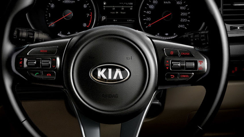 Kia Grand Carnival Launched in Pakistan 18