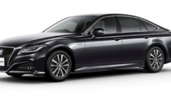 The 15th Generation Toyota Crown Debuts in Japan 25