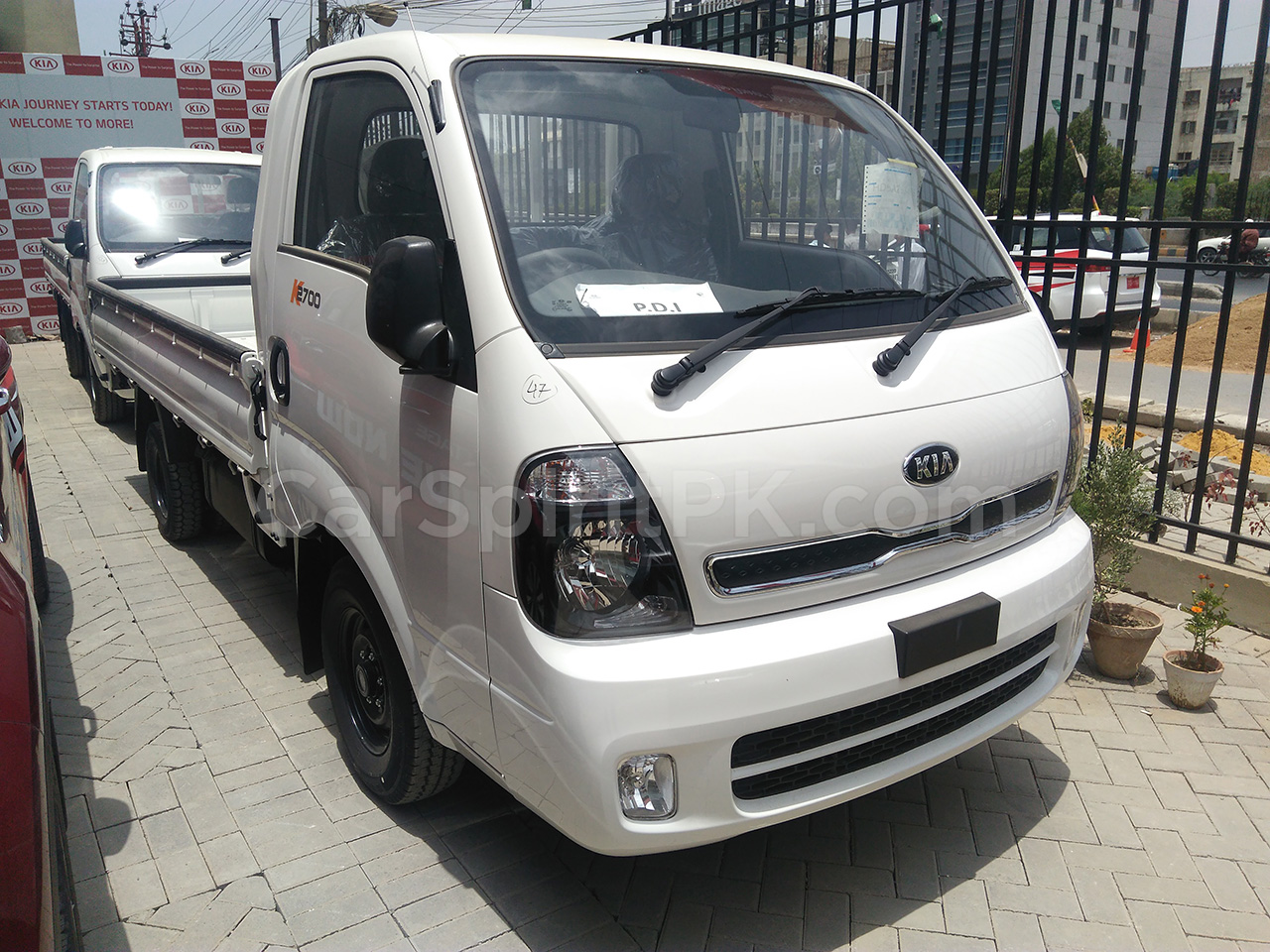 Hyundai Porter H100 Expensive than Kia Frontier and Daehan Shehzore 5