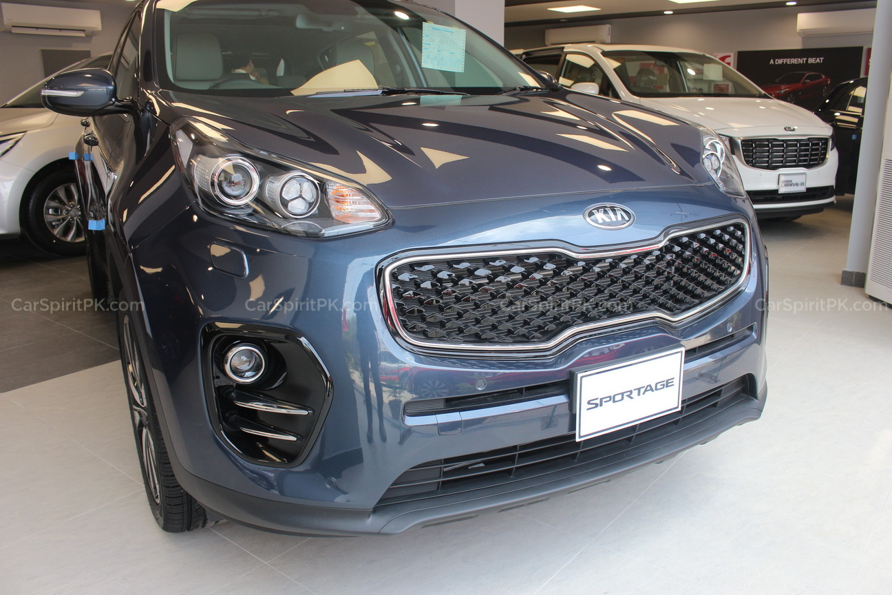 Should Kia Introduce Carens MPV in Pakistan? 9