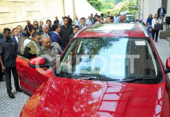 Malaysian Prime Minister Dr. Mahatir Mohammad Impressed with Geely Boyue 12