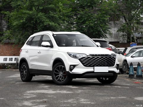 FAW X40 SUV Surpasses FAW R7 Sales in China 5