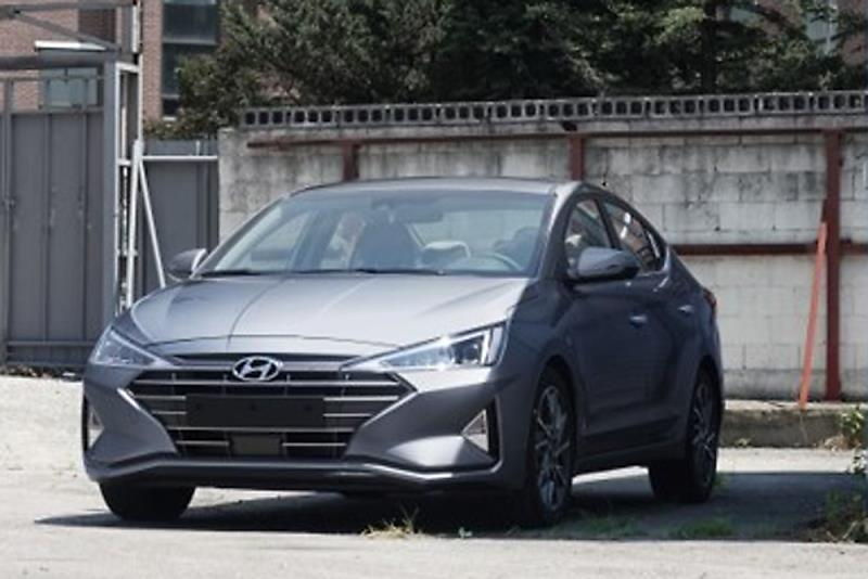 2019 Hyundai Elantra Facelift Spotted Undisguised 8